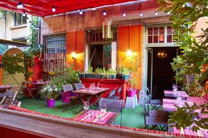 001 Le Grain de Folie restaurant Lyon Croix Rousse terrasse cuisine chef Toques Blanches Le grain de folie