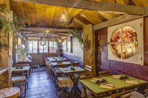 001 Krepiot restaurant creperie Vieux Lyon salle Le Krépiôt