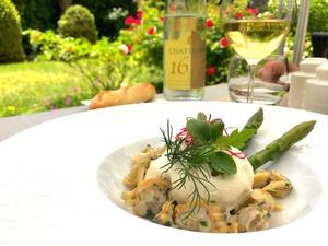 001 Reine Astrid le Lounge asperges palourdes restaurant terrasse Lyon Le Lounge  Warwick Reine Astrid