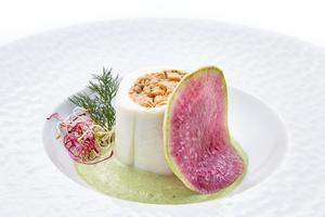 025 entree cuisine Le Lounge Warwick Reine Astrid Lyon restaurant gastronomie Le Lounge  Warwick Reine Astrid