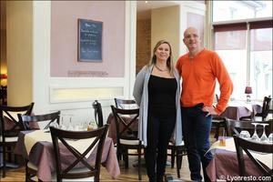 1 portrait restaurant neolis chaponost equipe Le Noelis