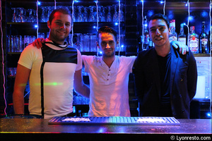 5 equipe restaurant dansant karaoke festif papagayo lyon Le papagayo