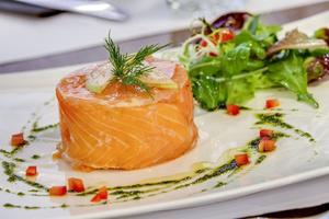 005 Pique Assiette restaurant Vieux Lyon bouchon entree saumon Le Pique Assiette