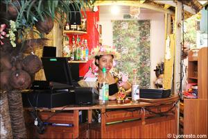 7 serveuse comptoir restaurant des iles cuisine exotique lyon Le restaurant des iles