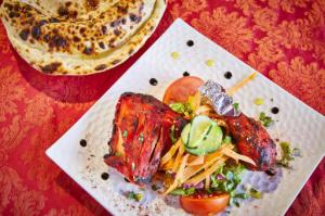 07 le royal indien plat poulet nan fromage Le Royal Indien
