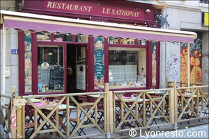 008 terrasse sathonay bouchon lyonnais restaurant lyon Le Sathonay