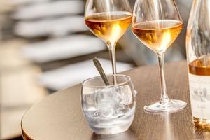 004 Le Tono Lyon bar a vins rose Le Tono