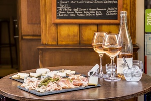 013 Le Tono Lyon bar a vins tapas rose Le Tono