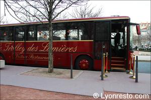 6 bus lyon trolley des lumieres Le Trolley des Lumières