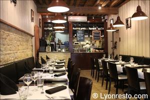 002 salle restaurant lyon valmy verre et assiette Le Verre et l'assiette