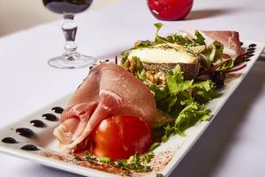 005 Le Vieux Lyon plat salade jambon fromage Le Vieux Lyon