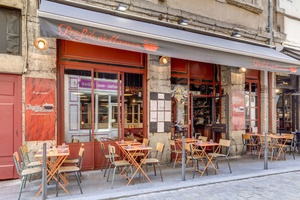005 les fils aÌ€ maman Lyon Restaurant terrasse Les Fils à Maman