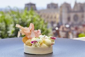 05 patisserie dessert tarte les Terrasses de Lyon restaurant gastronomique Villa Florentine Lyon restaurant Les Terrasses de Lyon - Villa Florentine
