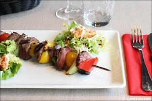 1 brochette viande boeuf plat restaurant maison entrecote steak house lyon Maison de l'Entrecôte Part-Dieu