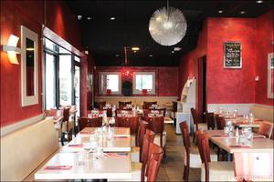 4 salle longueur restaurant maison entrecote steak house lyon Maison de l'Entrecôte Part-Dieu