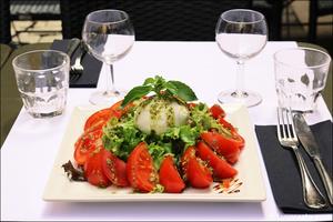 Photo  081-tomates-mozza-plat-maitre-boeuf-restaurant-lyon.jpg Maitre Boeuf