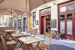 0002501 terrasse Momento Sapori e Vini Lyon restaurant italien Momento Sapori e Vini