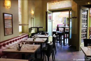 Photo  09-salle-mange-debout-restaurant-italien-momento-sapori-e-vini-lyon.jpg Momento Sapori e Vini