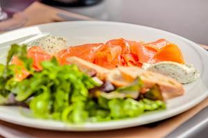 004 O Jardin restaurant Valmy entree saumon O Jardin