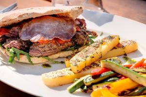 004 Pani Jo restaurant italien Lyon Guillotiere panijo fiorentino polenta legumes Pani Jo