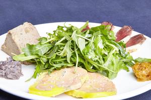 03 Papa Duck rotisserie canard foie gras salade entree Papa Duck