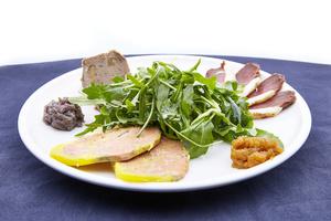 06 Papa Duck rotisserie canard entree salade foie gras Papa Duck