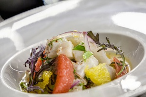 006 Plethore et Balthazar restaurant Lyon rue merciere plat poisson Pléthore et Balthazar