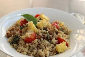 004 Recto Verso restaurant vegetarien salade quinoa  Recto Verso