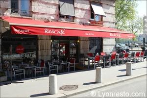 1 terrasse devanture red cafe lyon restaurant bar brasserie Red Café