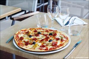 9 pizza restaurant kosybar grezieu Restaurant Kosybar