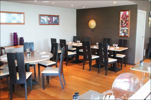 92 salle etages tables restaurant kosybar grezieu Restaurant Kosybar