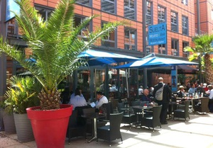 0001Terrasse restaurant parc tete d or Suelta Verde Cite Internationale Suelta