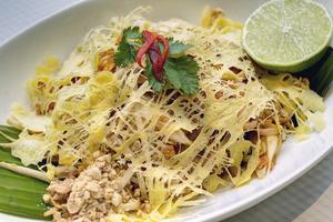 004 Thai Harmonie restaurant thailandais lyon brotteaux phadthai plat Thai Harmonie
