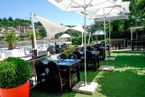 000011 Next Lounge terrasse restaurant trevoux Saone The Next Lounge