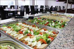 0001 buffet des entrees w restaurant bron W Restaurant