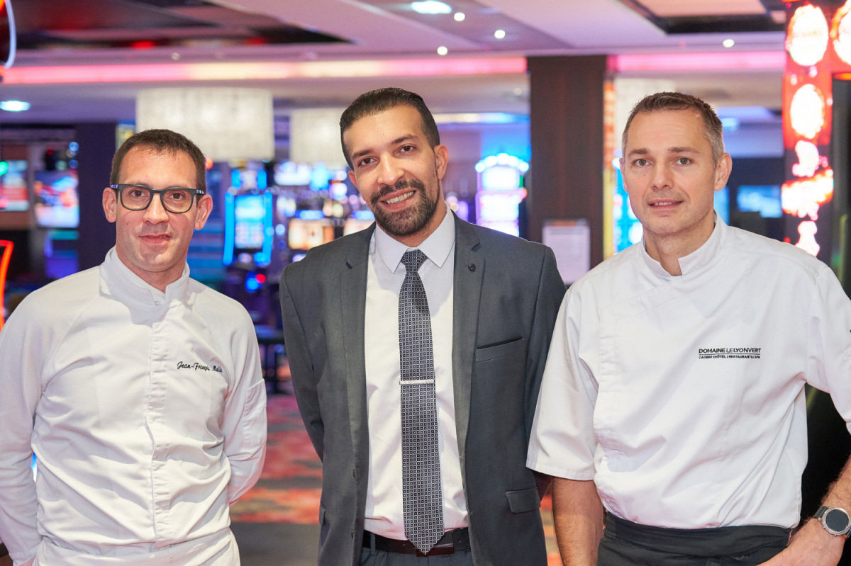 Le restaurant Brasserie Le Caz - Casino le Lyon Vert à 69890 La Tour de Salvagny recommandé