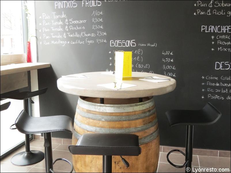 Discussion sur l'étoile du 7 septembre  2019 - Page 3 1-tonneaux-ardoise-salle-restaurant-casa-ibercai-cuisine-espagnole-portuguaise-iberique-lyon
