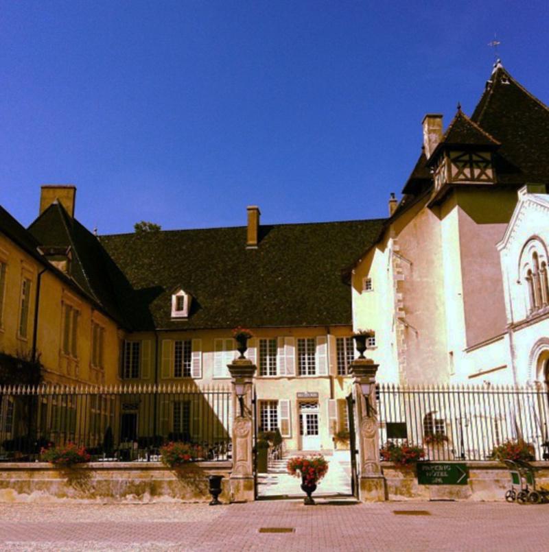 Ch teau de pizay restaurant belleville horaires t l phone avis lyonresto - Restaurant chateau de pizay ...