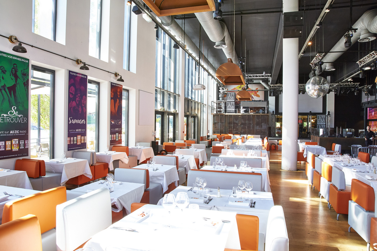 docks 40 restaurant lyon menu vid o photo avis lyonresto. Black Bedroom Furniture Sets. Home Design Ideas