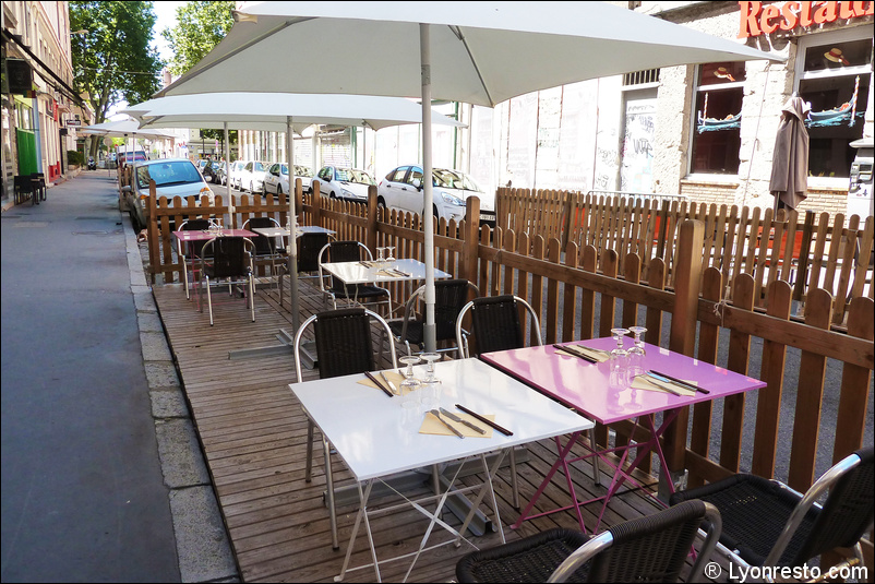 photo 7 terrasse restaurant lyon chinois jardin du bambou. Black Bedroom Furniture Sets. Home Design Ideas