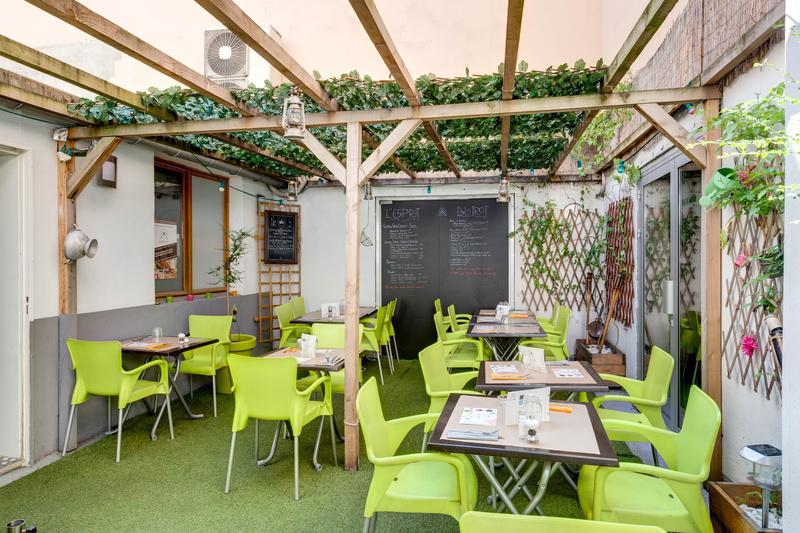L 39 esprit bistrot vaise restaurant lyon menu vid o for Restaurant terrasse lyon