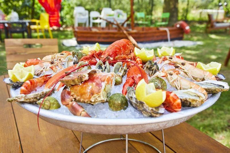 Le restaurant La perle de la plage à 69270 Rochetaillée recommandé