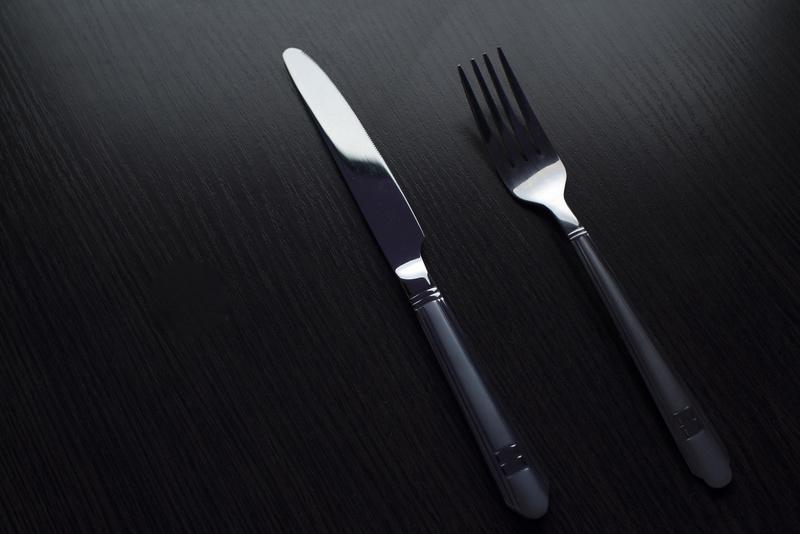 Photo  003-La-Table-en-Braille-Lyon-restaurant-diner-dans-le-noir.jpg La Table en Braille