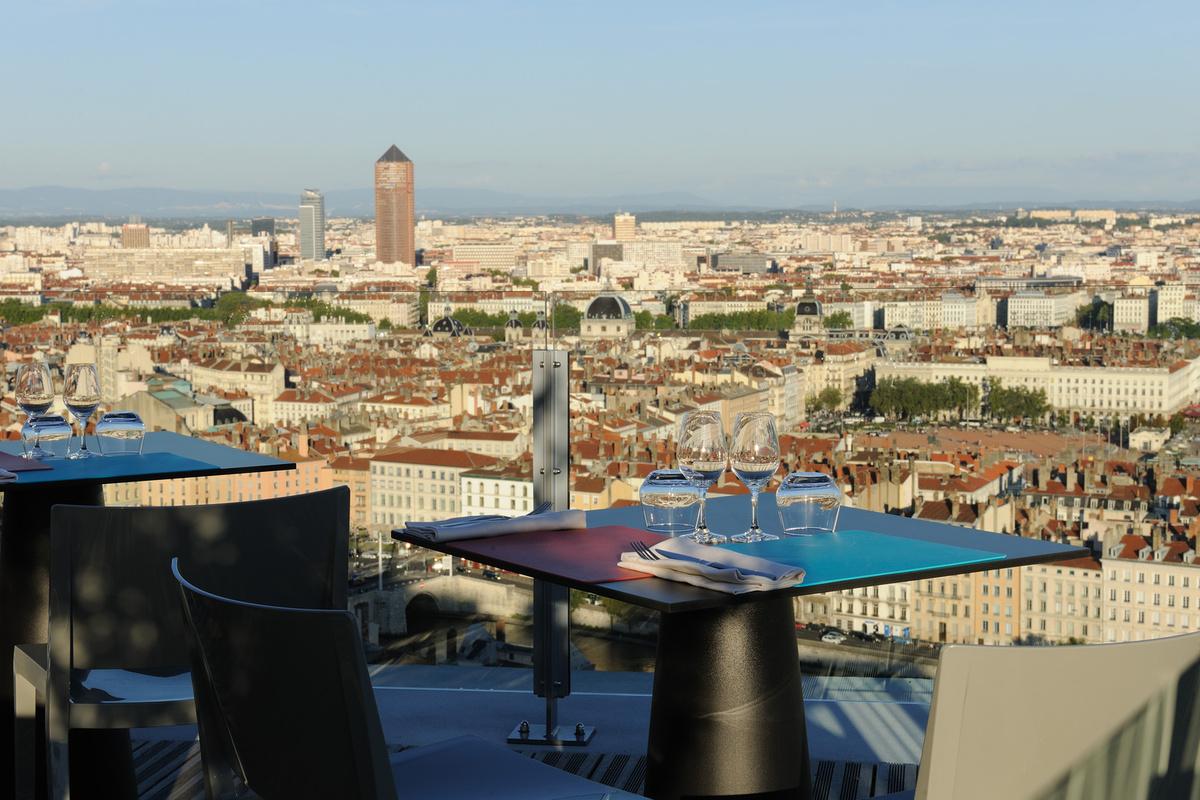 La terrasse de l 39 antiquaille restaurant lyon r server for Restaurant terrasse lyon