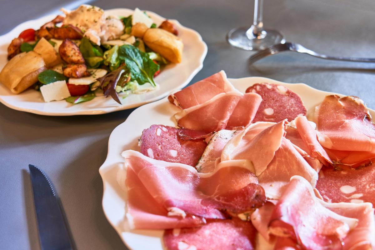 Photo  0081_restaurant-le-Decale-Lyon7-baroque-atypique-cuisine-2019_-Lyonresto2019_-_.jpg Le Décalé