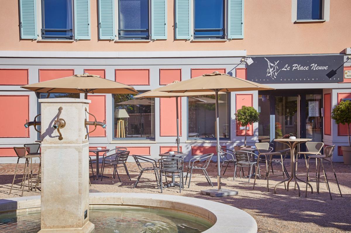 Le restaurant Le Place Neuve à 69690 Brullioles recommandé