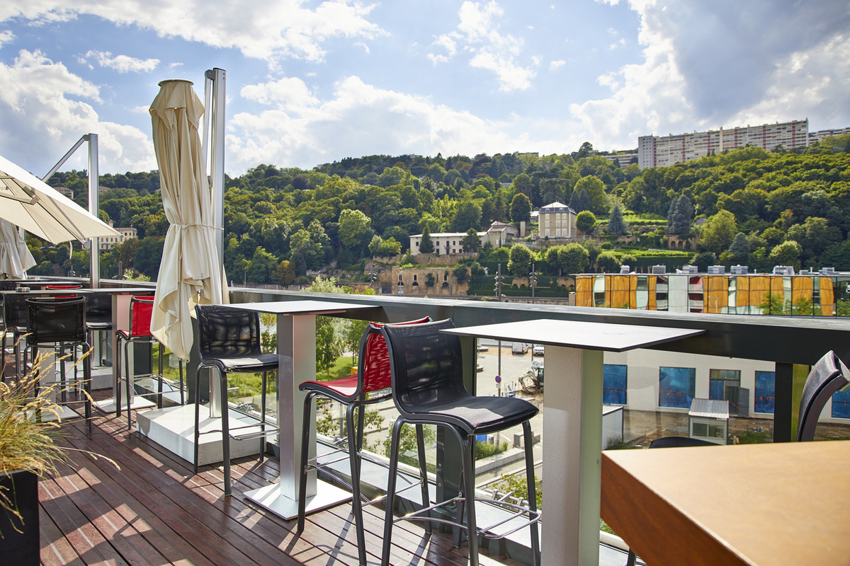 N 39 caf confluence restaurant lyon r server menu for Restaurant terrasse lyon