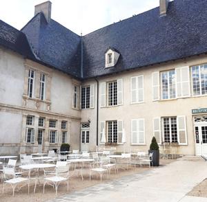 Chateau de Pizay cour Château de Pizay