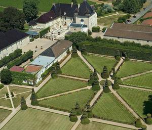 Chateau de Pizay vue ciel Château de Pizay