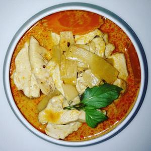 Chee is thai Poulet au lait de coco Chee is Thaï